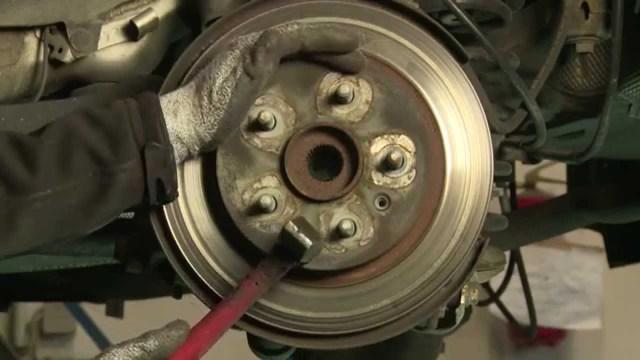 Выбираем и меняем тормозные диски Мазда СХ-5 самостоятельно