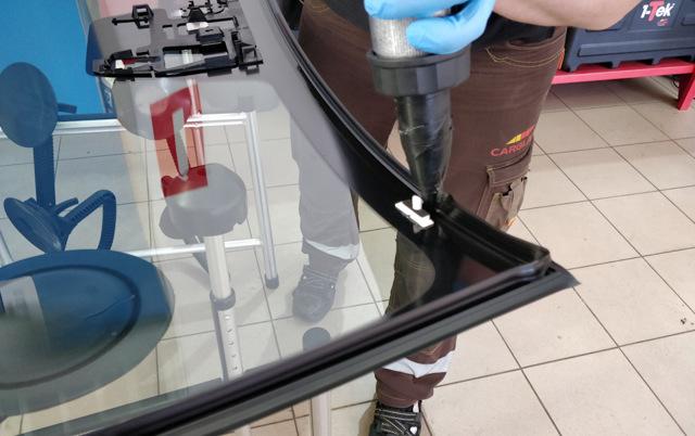 Выбираем и меняем сами лобовое стекло на Мазда cx-5