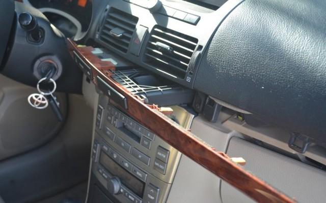 Как сделать аудиовход aux на магнитоле Mazda 3 своими руками