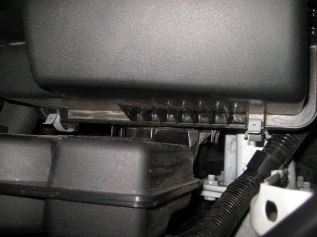 Меняем воздушный фильтр Мазда cx-5 не прибегая к услугам автосервиса