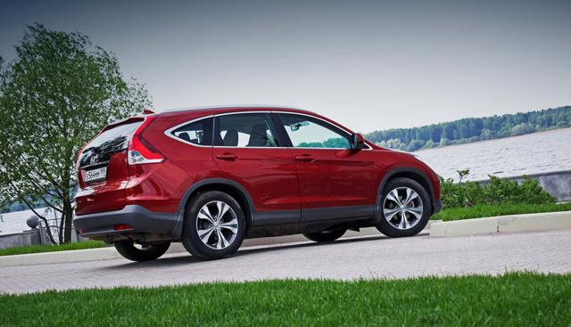 Mazda cx-5 против honda cr -v: Ровный пол или клиренс 16 см?